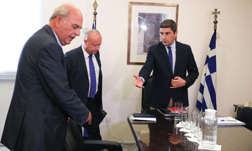 Ο Αυγενάκης καταργεί τον μισθό στους προέδρους Ομοσπονδιών
