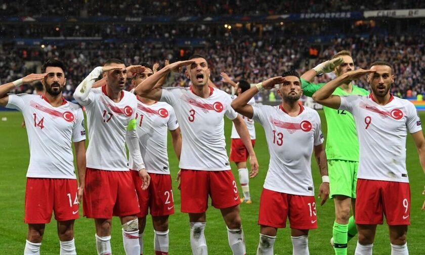 Οι Τούρκοι «απάντησαν» στους Γάλλους για τον στρατιωτικό χαιρετισμό! (pics)