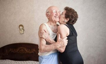 Ο Guardian απαντά στον Σαββίδη: Το σεξ καλύτερο στα 80
