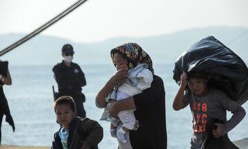 Στον Πειραιά κατέπλευσε το «Νήσος Σάμος» με 57 πρόσφυγες από Λέσβο και Χίο