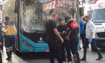 Κωνσταντινούπολη: Οδηγός λεωφορείου έπεσε πάνω σε πλήθος