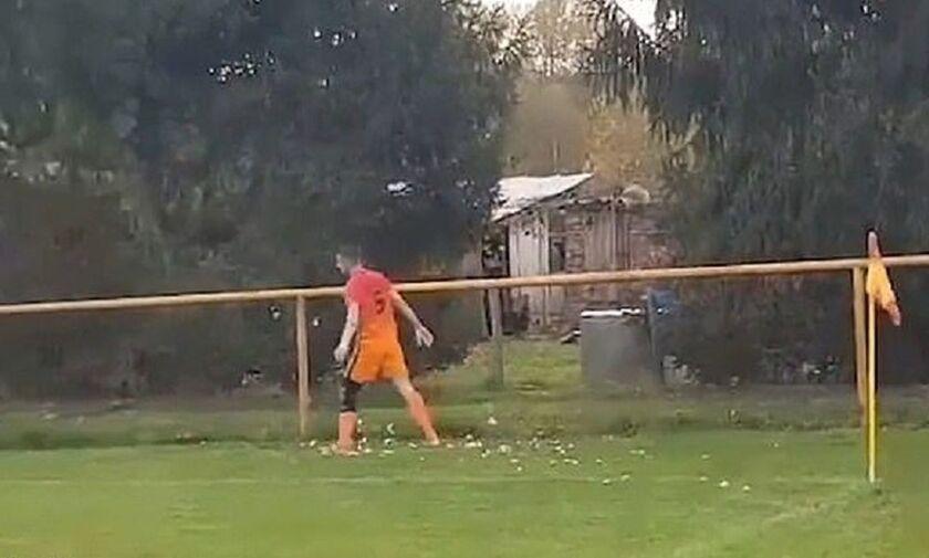 Ποδοσφαιριστής σκότωσε κότα κατά τη διάρκεια αγώνα και αποβλήθηκε (vid)