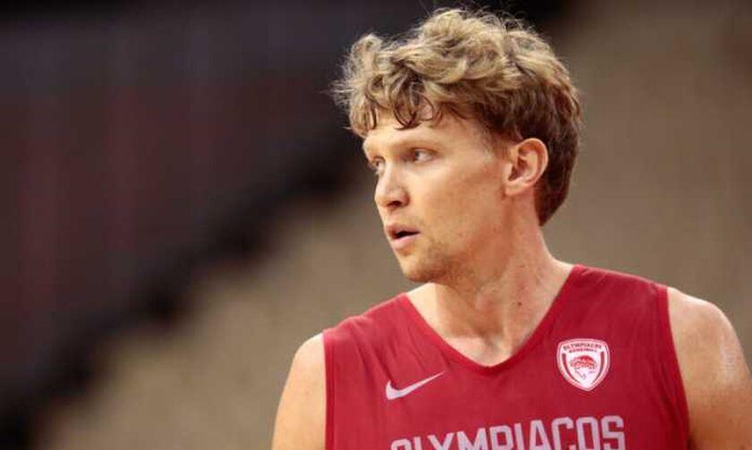 Κουζμίνσκας: «Μετά την αλλαγή προπονητή, άλλαξε ο ρόλος μου στον Ολυμπιακό»