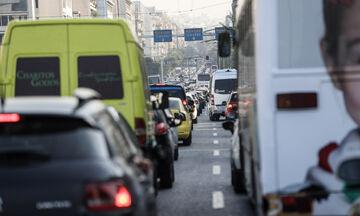 Ασφυκτιά το Λεκανοπέδιο: Ουρές χιλιομέτρων σε Αθήνα και Πειραιά - Ποιοι δρόμοι είναι κλειστοί (pic)