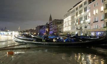 Σε κατάσταση καταστροφής από την δεύτερη μεγαλύτερη πλημμύρα στην ιστορία της η Βενετία