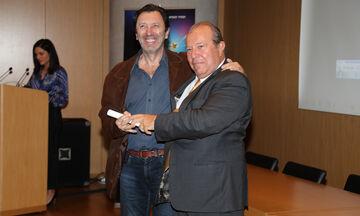 Σε ποιους αφιέρωσε ο Στέφανος Λεμονίδης το δημοσιογραφικό βραβείο του ΠΣΑΤ (vid)