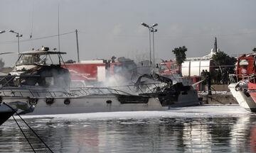 Πυρκαγιά σε σκάφη στη Γλυφάδα: Οι πέντε καλλονές και πως ξεκίνησαν όλα