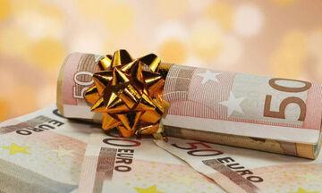 Δώρο Χριστουγέννων: Τι ισχύει για τους ανέργους του ΟΑΕΔ και τον ιδιωτικό τομέα