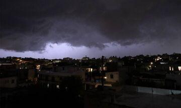 Κακοκαιρία: Το μαύρο σύννεφο που σκέπασε την Αττική - Νέα επιδείνωση τις επόμενες ώρες (Photos)