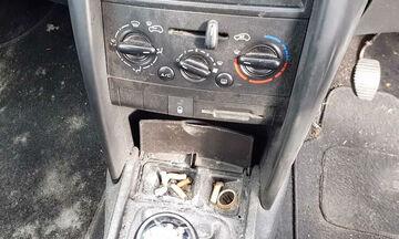 Πώς καθαρίζει ένα αυτοκίνητο καπνιστή; (vid)