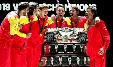 Davis Cup: H Iσπανία ξανά πρωταθλήτρια με ανίκητο Ναδάλ και συγκινητικό Μπαουτίστα Αγκούτ (vid)