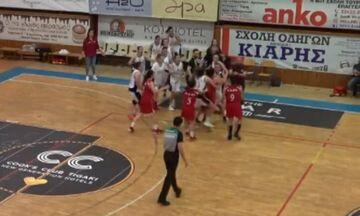Ξύλο σε αγώνα μπάσκετ γυναικών (video)