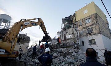 Αλβανία: Επτά οι νεκροί από τον σεισμό - Μάχη για τη διάσωση των εγκλωβισμένων στα ερείπια