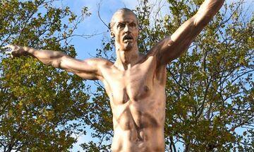 Βανδάλισαν το άγαλμα του Ιμπραΐμοβιτς στο Μάλμε λόγω... Χάμαρμπι! (pics)