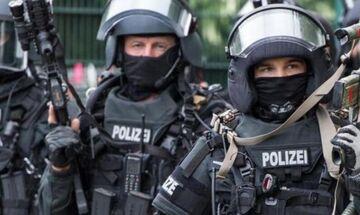 Έκτακτο: Συναγερμός στη Γερμανία - Ένοπλος κρατά ομήρους στο Μπούχολτς