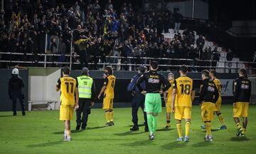 AEK: Οι παίκτες αποδοκιμάστηκαν και στο αεροδρόμιο του Ηρακλείου!