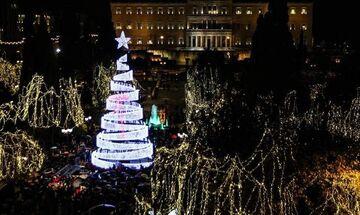 Xριστουγεννιάτικο δέντρο στο Σύνταγμα: Ανάβει την Τρίτη, 10 Δεκεμβρίου