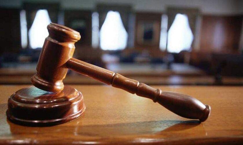 Από υποβιβασμό μέχρι αποβολή προβλέπει ο Νόμος σε περίπτωση πολυϊδιοκτησίας