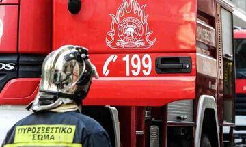 Φωτιά σε ξενοδοχείο στη Συγγρού - Εγκλωβισμένοι άνθρωποι