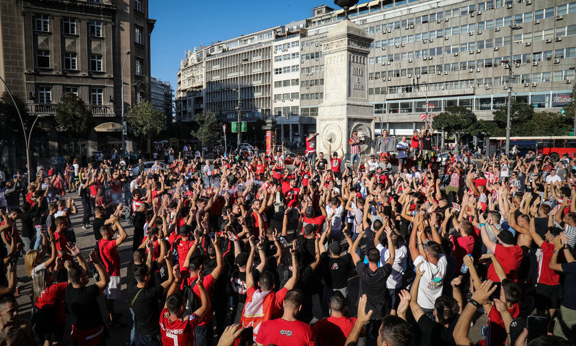 Κοινή πορεία Θύρας 7-Delije από το Σύνταγμα στο «Γ. Καραϊσκάκης»(vid)