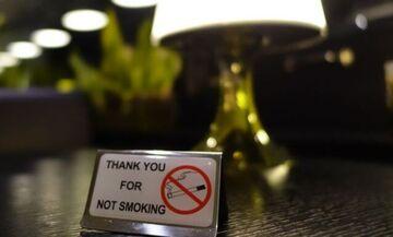 Αντικαπνιστικός νόμος: Εφαρμογή μεν, ευτράπελα δε (vid)