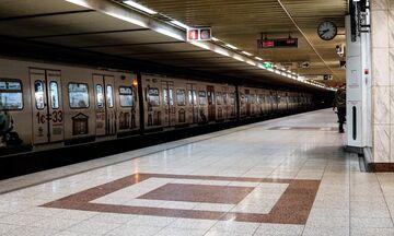 Επεισόδια στο Μετρό Συντάγματος: Αιματηρές συγκρούσεις από τις καθυστερήσεις! (pic+vid)