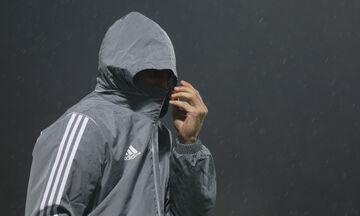 Υπό καταρρακτώδη βροχή η προπόνηση του Ολυμπιακού (pics)