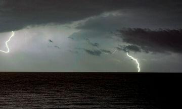 Καιρός - ΕΜΥ: Βροχές και πτώση της θερμοκρασίας
