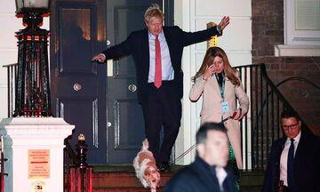 Κυρίαρχος ο Μπόρις Τζόνσον στις εκλογές στη Βρετανία: «Επιτέλους θα υλοποιήσουμε το Brexit»