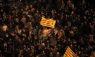 Βίντεο από τις συγκρούσεις Καταλανών-αστυνομίας την ώρα του Μπαρτσελόνα - Ρεάλ (vid)