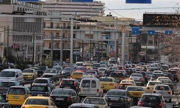 Λ. Μεσογείων: Κυκλοφοριακή συμφόρηση λόγω τροχαίου