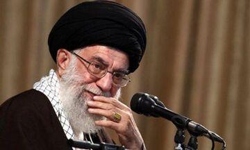 Αλ Χαμενεΐ: «Μια μικρή διαβολική χώρα στην Ευρώπη συνεργάζεται με τις ΗΠΑ!»