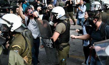 ΑΣΟΕΕ: Επίθεση κατά αστυνομικών με λοστούς, μαχαίρια και καδρόνια!