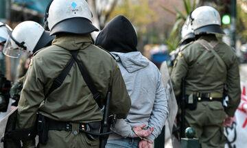 Χαμός στο Κουκάκι: Ένταση, χημικά και προσαγωγές