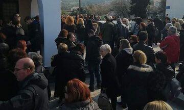 Πραγματοποιήθηκε στην Αίγινα η κηδεία της Ρενάτας
