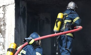 Τραγωδία στην Νίκαια: Ένας νεκρός από φωτιά