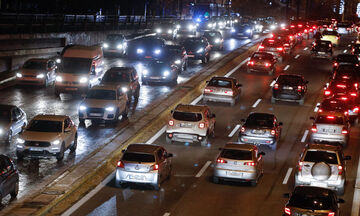 Κυκλοφοριακό χάος στην παραλιακή λόγω τροχαίων