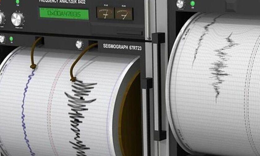 Μεγάλος σεισμός στην Ανατολική Τουρκία - Τουλάχιστον 4 νεκροί, τρομερές καταστροφές! (vid)