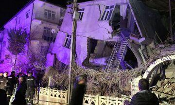 Σεισμός στην Τουρκία: Τουλάχιστον 19 οι νεκροί, οι τραυματίες ξεπερνούν τους 900