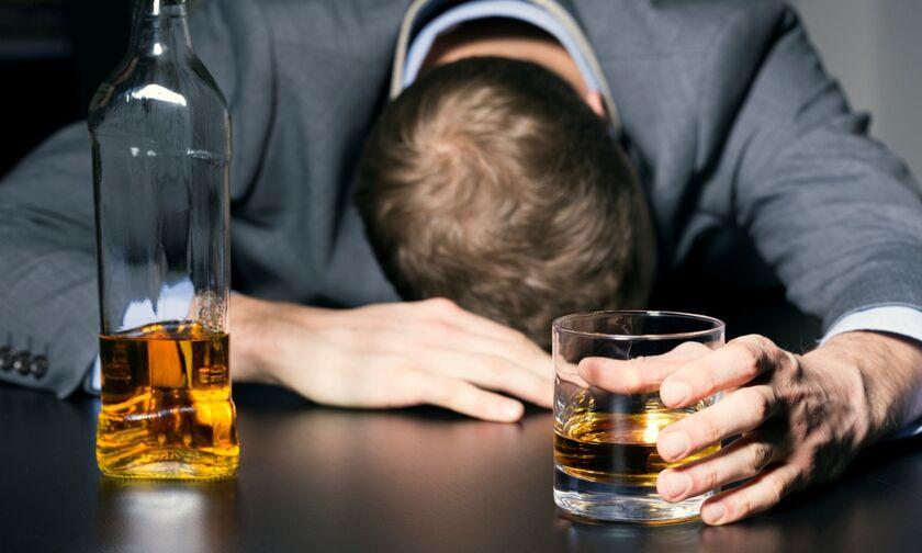 Μετά το κάπνισμα μπαίνει φραγμός και στο αλκοόλ (vid)