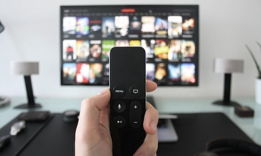 Τηλεοπτικό πρόγραμμα: Σε ποια κανάλια θα δούμε ΑΕΚ - Ολυμπιακός, Παναιτωλικός - Άρης, Ξάνθη - ΟΦΗ