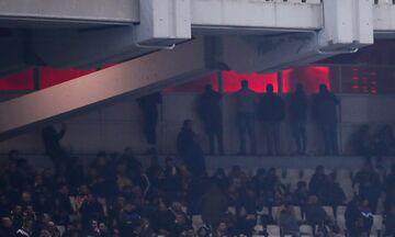 AEK - Oλυμπιακός: Επεισόδια έξω από το ΟΑΚΑ - Έκαψαν περιπολικό!