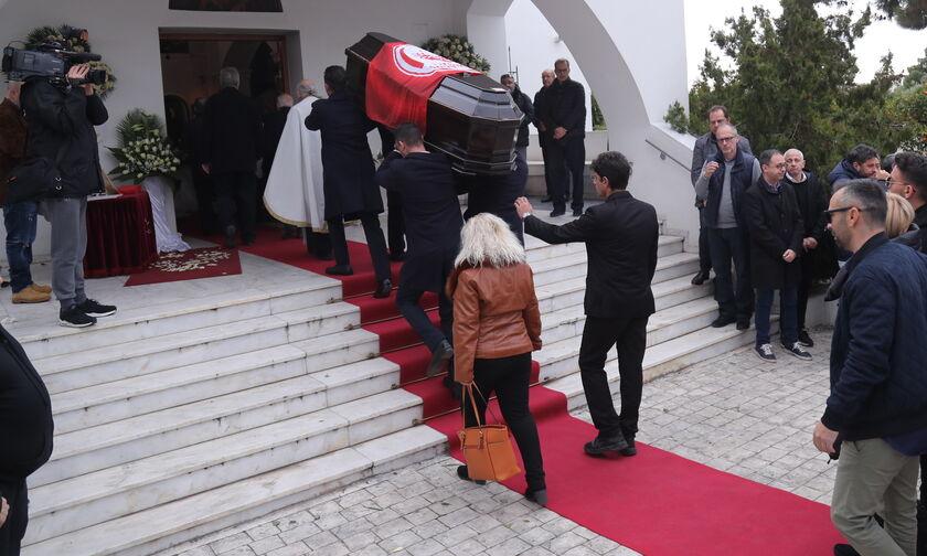 Όλος ο Ολυμπιακός στο «αντίο» του Αντώνη Νταή (pics)
