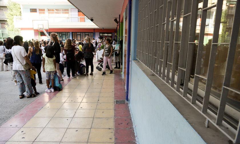 Απουσίες στα σχολεία λόγω γρίπης – Τι αναφέρει η εγκύκλιος του υπουργείου Παιδείας