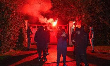 Μάντσεστερ Γιουνάιτεντ: Οπαδοί της επιτέθηκαν στο σπίτι του εκτελεστικού αντιπροέδρου!