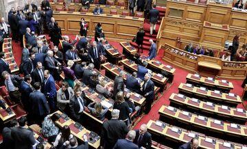 Νομοσχέδιο-έκτρωμα: Πώς ψήφισαν οι βουλευτές σε Α' και Β' Πειραιά