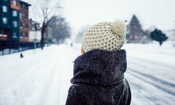 Καιρός: Τσουχτερό κρύο, χιόνια, καταιγίδες και άνεμοι 8 μποφόρ