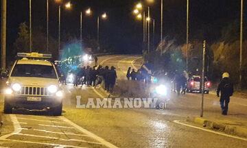 Μπλόκο της αστυνομίας σε οπαδούς της ΑΕΛ, στη Λαμία (vids, pics)