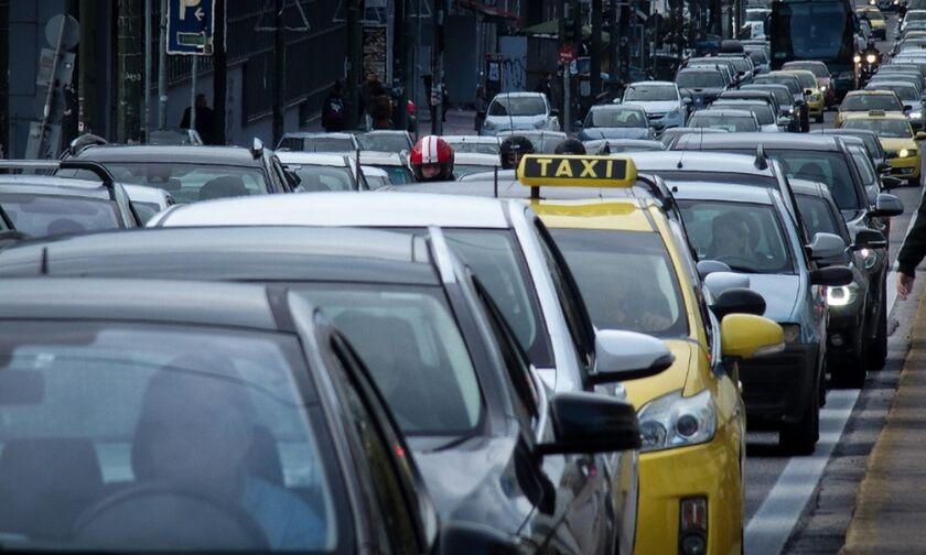 Χάος στη λεωφόρο Κατεχάκη λόγω θραύσης αγωγού