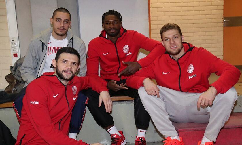 Ολυμπιακός - One Team: Η κοπή της πίτας με Πολ, Κόνιαρη, Παπανικολάου, Βεζένκοφ (vid)